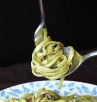 Espaguetis al pesto, receta rápida
