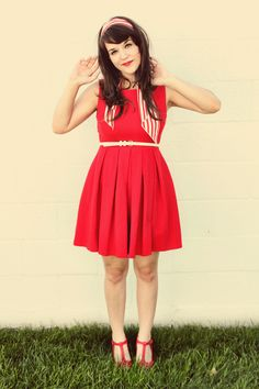 Perfect outfit on such a cute girl!