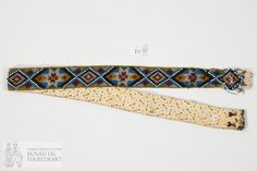 Belte - Norsk Institutt for Bunad og Folkedrakt / DigitaltMuseum Beadwork, Belt, Accessories, Fashion, Belts, Moda, Fashion Styles, Pearl Embroidery, Fashion Illustrations