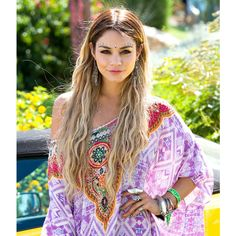 Vanessa Hudgens Debuts Blonde Hair at Coachella Transformation Picture ❤ liked on Polyvore featuring hair and vanessa hudgens