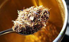 BRIOȘE integrale fără zahăr, cu nuci și BANANE, de post Kiwi, How To Dry Basil, Smoothie, Herbs, Banana, Minerals, Smoothies, Herb, Spice