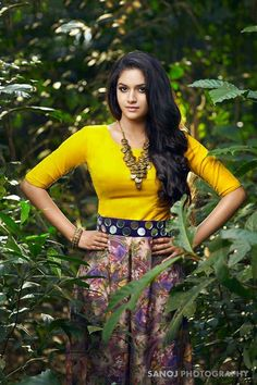 South Indian actress Keerthy Suresh new photo gallery. Latest hd image gallery of Keerthy Suresh. Indian Film Actress, South Indian Actress, Beautiful Indian Actress, Beautiful Actresses, Indian Actresses, Beautiful Ladies, Fashion Mode, Fashion Outfits, Sexy Outfits