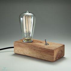 Luminária Conceito <br>Peça de design assinado, artesanal, em madeira e…