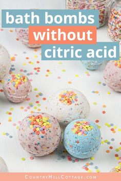DIY bath bombs without citric acid are a great homemade bath bomb recipe for kids. Easy vegan natural bath fizzies can be custimised with essential oils. Homemade Bath Bombs, Lip Scrub Homemade, Homemade Soap Recipes, Homemade Gifts, Homemade Beauty, Bath Boms Diy, Best Bath Bombs, Bombe Recipe, Bath Bomb Recipes