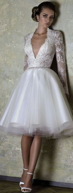 Short Wedding Dresses : 20 unique dresses for the bride who dares to be different Unique Dresses, Beautiful Dresses, Short Dresses, Gorgeous Dress, Bridal Gowns, Wedding Gowns, Lace Wedding, Wedding Blog, Wedding Vintage