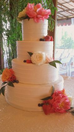 Horizontal piping makes a pretty buttercream wedding cake. Fresh flowers and fruit add pops of color Buttercream Wedding Cake, Custom Cakes, Fresh Flowers, Denver, Color Pop, Wedding Cakes, Fruit, Pretty, Desserts