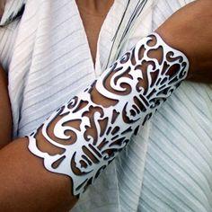 "Cuff ""Victorian"" in white leather 6-1/2"" wrist brida... | TomBanwell - Leather Craft on ArtFire"