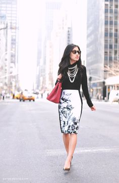 Jean Wang of Extra Petite chose our Floral Pencil Skirt for a day out in New York City!  #whbm #blogger #whbmpetites #fashion
