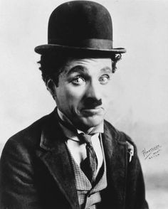 Photo: Charles Chaplin : 14x11in Profile Drawing, Charles Spencer Chaplin, Portrait Images, Golden Age Of Hollywood, Old Hollywood, Rare Pictures, Charlie Chaplin, Funny Faces, Silent Film