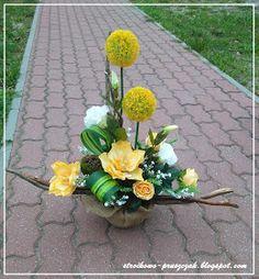 Funeral Arrangements, Yellow Flower Arrangements, Planting Flowers, Fresh Flowers Arrangements, Silk Flower Arrangements, Modern Flower, Ikebana, Funeral Flowers, Church Flower Arrangements