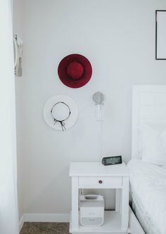 How to decorate with accessories.