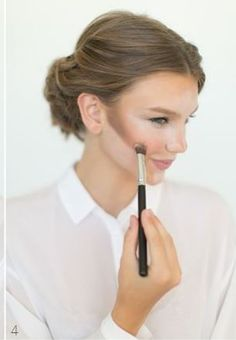 How to Apply Perfect Base Makeup Tutorial Steps   StylesGap.com