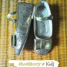 Glittery gold for kids. Shoes #shoestory #shoestoryindonesia