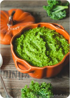 Kale pesto – Famous Last Words Classic Coleslaw Recipe, Vegan Coleslaw, Potluck Side Dishes, Healthy Side Dishes, Superfood, Roasted Cabbage Wedges, Cooked Cabbage, Kale Pesto, Vegan Recipes