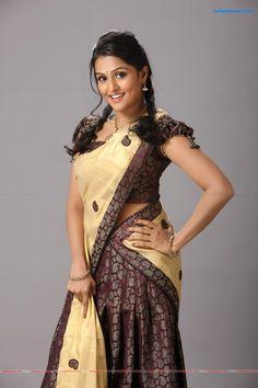 Beautiful Girl Indian, Most Beautiful Indian Actress, Beautiful Saree, Most Beautiful Women, Beauty Full Girl, Beauty Women, Half Saree Lehenga, Saree Dress, Sarees