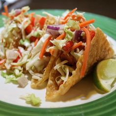 Make our Applebees Grilled Chicken Wonton Tacos Recipe at home tonight. With our… Make our Applebees Grilled Chicken Wonton Tacos Recipe at home tonight. With our Secret Restaurant Recipe your Wonton Tacos will taste just like Applebee's. Chicken Taco Recipes, Chicken Tacos, Grilled Chicken, Chicken Wontons, Baked Chicken, Asian Chicken, Healthy Chicken, Chicken Penne, Chicken Dumplings