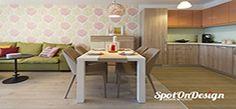 Masa dining la comanda, de 6 persoane, este solida si stabila, iar scaunele retro imbracate in material textil fac trecerea perfecta din bucatarie in living.