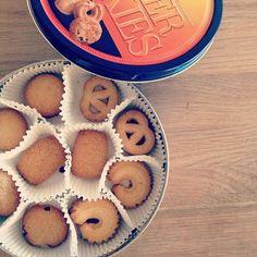 クラシカルなバタークッキー。デンマーク製。  出張のお土産ですが、いったのはデンマークではなく韓国。免税お土産。  クラシカルなものが美味しい。と思うお年頃。 - @yuu1026- #webstagram