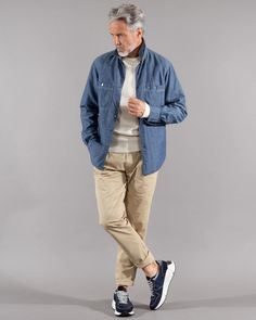 Hem denim nylon - Dantendorfer Oxford Shirts, Nylons, Spring And Fall, Neue Trends, Spring Outfits, Fitness Models, Bomber Jacket, Breast, Denim