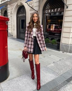 "Sophie Knight on Instagram: ""Hope you all had the loveliest Christmas ❤️"" Chloe Rose, Indie Girl, What's Your Style, Bold Stripes, Winter Looks, Winter Style, Pants Pattern, Girls Out, Autumn Winter Fashion"