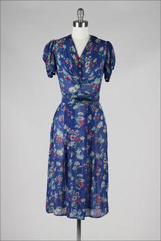 vintage 1940s dress . blue silk crepe . by millstreetvintage