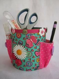 Have you thought of recycling aluminum cans but could not think of anything but typical for trinket? We can help you, here are some tips Tin Can Crafts, Felt Crafts, Fabric Crafts, Sewing Crafts, Sewing Projects, Craft Projects, Handmade Crafts, Diy And Crafts, Arts And Crafts