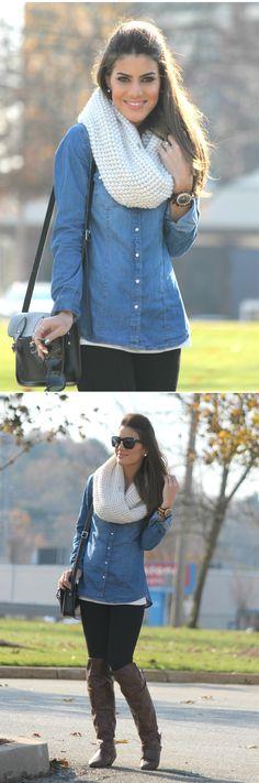 Denim shirt: Forever21 / leggings: Zara / Bag: Cambridge Stachel / Scarf: Calvin Klein / Boots: Madden Girl (Zeda) / Rel O gio: MK / O glasses: Versace (Mod. 4213-B)