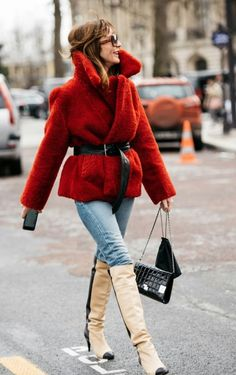 Winter Coat with Fur: Fashion Vs Function - Description: Talking about fashion sometimes won't catch any other things. But this winter coat with fur is different. It bears the name of fashion an. Fur Fashion, Fashion 2017, Winter Fashion, Womens Fashion, Brown Faux Fur Coat, Winter Outfits, Christmas Outfits, Winter Coat, What To Wear