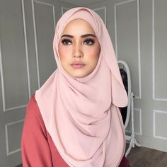 @ernibougas 😘 . Makeup for @syedewa.studio by #syedewa