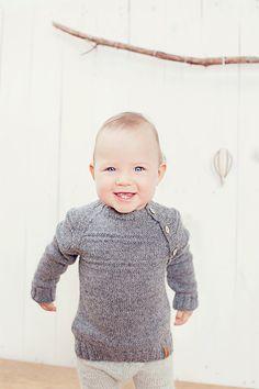 Hand Knit Baby Sweater / Children alpaca wool sweater / Dark gray hand knitted cardigan for boy / girl / toddler / kids / Children sweater
