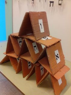 Avadim Hayinu: building pyramids with Otiot in jol  hamoed Pesach