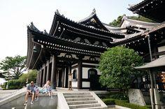 Kamakura Temple Family Photos | Wedding Photographer Newport Rhode Island Family Photographer Boston & NYC