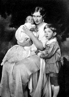 Alexander I of Yugoslavia & Princess Marie (Mignon) of Romania Princess Alexandra, Princess Beatrice, Prince And Princess, Queen Victoria Descendants, Princess Victoria, Romanian Royal Family, Elisabeth I, Young Prince, Goth Beauty