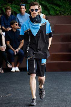 Issey Miyake Spring 2016 Menswear Collection Photos - Vogue