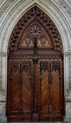 Main portal of the Santiago Cathedral, Bilbao.--Santiago Cathedral is a Catholic Cathedral that was originally built during the centuries as Bilbao's main parish church, and was only declared cathedral in 1950 Grand Entrance, Entrance Doors, Doorway, House Entrance, Cool Doors, Unique Doors, Doors Galore, Creative Architecture, Urban Architecture
