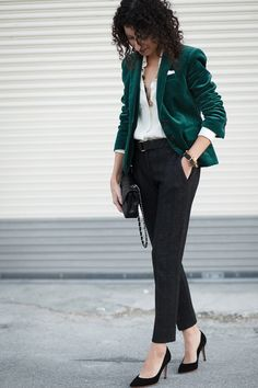 Christmas, holiday, or NYE party outfit idea. No need to freeze in a dress. This pant and blazer look is just as good.