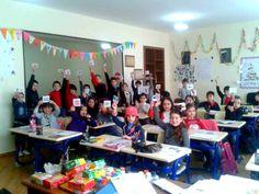 ბავშვებმა სხვადასხვა ქვეყნის დროშები გააფერადეს
