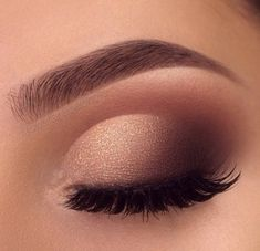 mil me gusta, 839 Commentaires - Fashion Illusion ( en Ins - make up :) - ausformung bemalung maquillaje makeup shaping maquillage Cool Makeup, Prom Makeup Looks, Pretty Makeup, Prom Makeup For Brown Eyes, Prom Eye Makeup, Wedding Eye Makeup, Simple Makeup Looks, Homecoming Makeup, Simple Eye Makeup