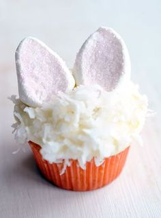 The Cutest Easter Bunny Coconut Cupcakes