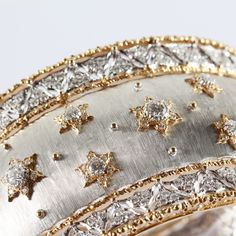 Dreams are made of gold and diamonds - White and yellow gold are finely hand-engraved and combined with diamonds highlighting the mastery of Buccellati craftsmanship.