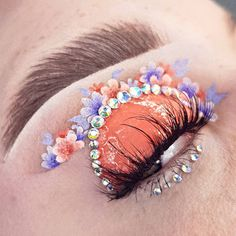 beauty and makeup image Cute Makeup Looks, Makeup Eye Looks, Eye Makeup Art, Colorful Eye Makeup, Pretty Makeup, Eyeshadow Makeup, Makeup Geek, Jeffree Star, Creative Makeup Looks