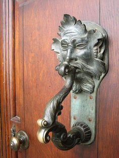 Vintage door knockers and door knobs Door Knobs And Knockers, Knobs And Handles, Door Handles, Cool Doors, Unique Doors, Door Detail, Door Accessories, Door Furniture, Green Man