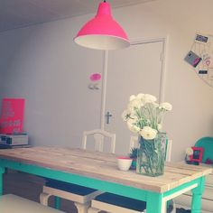 sous la table  #FLUO #home