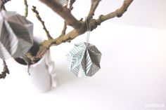 DIY Origami Easter Egg - Design by Starfolds. Diy And Crafts, Arts And Crafts, Paper Crafts, Easter Egg Designs, Diy Origami, Handmade Ornaments, Happy Holidays, Easter Eggs, Cufflinks