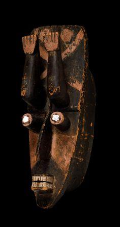 LOXOCO FACADE: Grebo mask, from Ivory Coast or Liberia