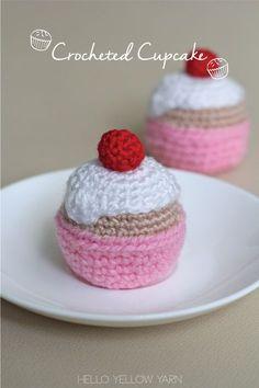 Free Crochet Cupcake Pattern at http://helloyellowyarn.com/2015/01/15/crocheted-cupcake-free-pattern/
