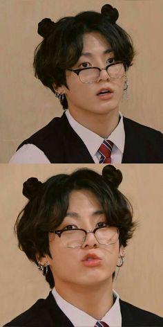 Foto Jungkook, Foto Bts, Bts Taehyung, Jungkook Lindo, Jungkook Cute, Bts Bangtan Boy, Bts Boys, Namjoon, Jungkook Glasses