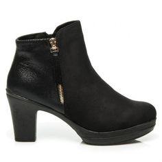Klasyczne czarne botki CATARINA Klasyczne, czarne botki na słupku. Buty zrobiono…