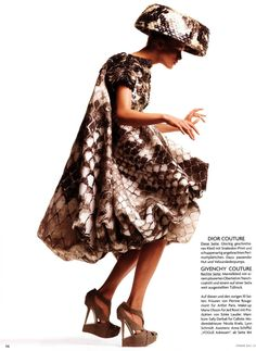 Christian Dior Spring 2008 Haute Couture  Hohe KunstMagazine: Vogue Germany July 2008Photographer: Thomas Schenk - Photography - Fashion
