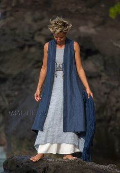 Long blue summer linen vest and white flare pants -:- AMALTHEE -:- n° 3455